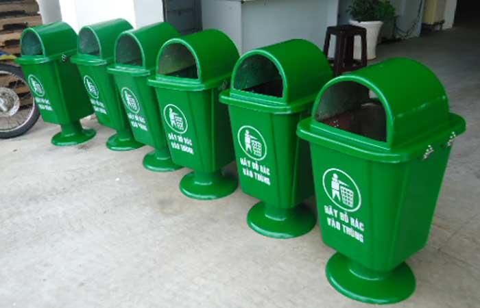 Thùng rác treo đơn 55 lít chân nhựa